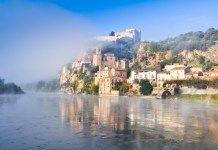 Imagina estar em um lugar onde se tem constantemente a sensação que tudo parou no tempo... Lhes apresento as 5 Vilas Medievais na Espanha. http://morarnaespanha.com/as-5-vilas-medievais-na-espanha/