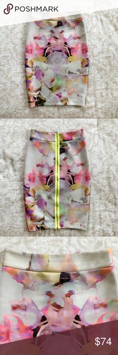 Ted Baker Amarant Electric Daydream Neoprene Skirt Size 0. Neon floral pencil skirt with exposed zipper. Very comfortable. Please see photos for stretch marks; these are hardly noticeable when wearing! Ted Baker Skirts Pencil