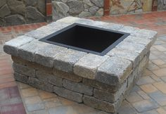 Outdoor fire pit made with estate wall block. Outdoor Kitchen Patio, Small Backyard Patio, Outdoor Fire, Backyard Landscaping, Garden Fire Pit, Diy Fire Pit, Fire Pit Backyard, Fire Pit Plans, Outside Fire Pits