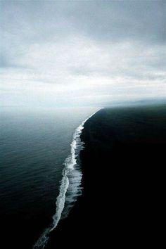 "Pacific and Atlantic ocean ""collide""!"