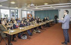 Aufbruchsstimmung bei Lehrenden durch Bildungsgipfel Steyr, Conference Room, Home Decor, Economics, Mood, Education, School, Decoration Home, Room Decor
