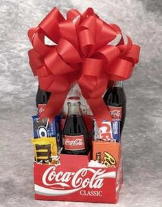 Jars: Food Gifts & Recipes gift basket with a movie pass. This site has many gift basket ideas! DIY Gifts for Boyfriend : Cute Gifts for Guy. Food Gifts, Craft Gifts, Diy Gifts, Cheap Gifts, Holiday Fun, Holiday Gifts, Christmas Gifts, Winter Holiday, Handmade Christmas