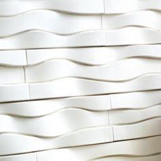 Dane techniczne: - wymiary płytki: 10x37.5 cm - grubość płytki: do 2.5 cm - waga całego opakowania: 10 kg - ilość m2 w opakowaniu: 0.37 - ilość płytek w opakowaniu: 10 - zastosowanie: zewnętrzne / wewnętrzne - skład: beton + keramzyt - kolor: bianco
