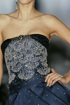 Armani Privé at Couture Spring 2006 - Details Runway Photos Couture Details, Fashion Details, Fashion Design, Blue Fashion, High Fashion, Womens Fashion, London Fashion, Indian Fashion, Fashion Brands