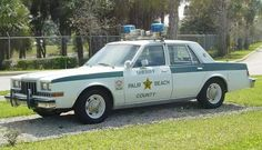 Police Vehicles, Emergency Vehicles, Radios, Police Car Pictures, 4x4, Old Police Cars, Police Patrol, Chevrolet Caprice, Ford Motor Company