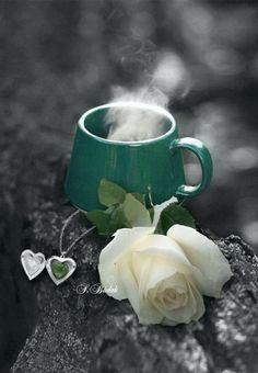 Selma adl kullancnn ay keyfi panosundaki Pin t I Love Coffee, Coffee Art, My Coffee, Coffee Shop, Coffee Cups, Tea Cups, Splash Photography, Coffee Photography, Good Morning Coffee