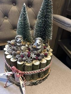 Christmas Arts And Crafts, Unique Christmas Trees, Christmas Sewing, Outdoor Christmas Decorations, Christmas Centerpieces, Christmas Mantels, Winter Christmas, Christmas Holidays, Christmas Wreaths