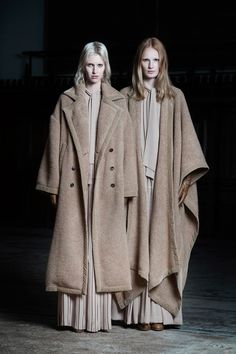 Contemporary Fashion - oversized coats with contrasting layers & soft textures // Veronique Branquinho Pre-Fall 2016