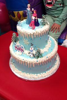 Frozen cake Frozen Themed Birthday Cake, Frozen Themed Birthday Party, Cool Birthday Cakes, Birthday Cake Girls, Birthday Ideas, Frozen Disney, Disney Frozen Birthday, Candy Land Christmas, Daisy Cakes