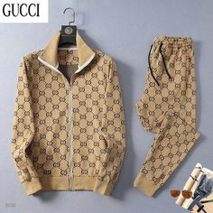Polo Shirt Outfits, Swag Outfits Men, Gucci Outfits, Boy Outfits, Gucci Jacket Mens, Gucci Men, Ropa Louis Vuitton, Mens Tracksuit Set, Designer Tracksuits