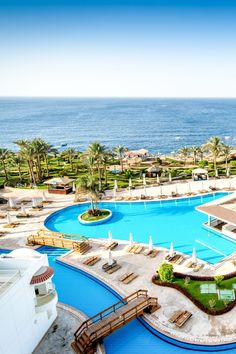"Das ""Siva Sharm"" in Sharm El Sheikh, Ägypten jetzt bei ETI buchen Pool Snacks, Piano Bar, Sharm El Sheikh, Outside Pool, Beste Hotels, Resort Villa, Das Hotel, Rooftop Bar, Beautiful Hotels"