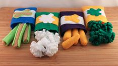 Felted Veggies and Bags   these felted toys are adorable and invite pretend play about vegetables.  ~ #EtsyCrush
