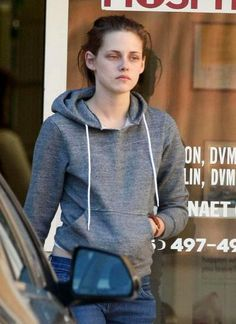 /Kristen Stewart Without Makeup. Unfortunately she doesn't shine with makeup either...biggest beauty flaw is lack of smiles.