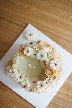 Inquiry : bettercakes@naver.com  - 베러케이크 / Better Cake - Butter Cream Flower Cake & Class  Seoul, Korea based http://www.better-cakes.com Instagram : @better_cake_2015 Mail : bettercakes@naver.com Line : better_cake Facebook : Sumin Lee