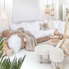 Hej j'espère que tout le monde va bien ? Aujourd'hui il fait beau et c'est cool ! Voici mon #instagood internet du jour accompagné de ma… Nature Decor, Home Office, Pool Ideas, Cabana, Furniture Design, Condo, Home Decor:__cat__, Farmhouse, Deco