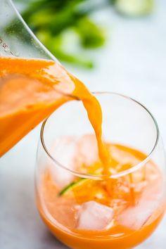 jugo de zanahoria pepino, manzana verde, jengibre y lim�n.