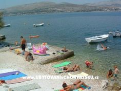 Chorvatsko ::: Jižní Dalmácie :: Trogir : Apartmani Ančica. www.UvCH.cz Croatia, Beach Mat, Outdoor Blanket