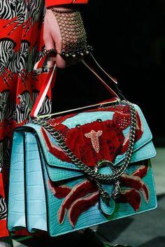 Best Women's Handbags & Bags : Gucci Fashion show & More Luxury Details - Prada Handbags, Luxury Handbags, Luxury Bags, Fashion Handbags, Purses And Handbags, Fashion Bags, Designer Handbags, Ladies Handbags, Satchel Handbags