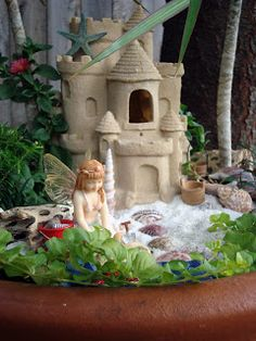78 DIY Fairy Garden Mermaid on The Beach Themed - Homearchitectur Beach Fairy Garden, Fairy Garden Houses, Fairies Garden, Fairy Gardening, Container Gardening, Mermaid Fairy, Mermaid Beach, Beach Gardens, Fairy Doors