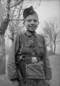 Young Soviet partisan, Vasya Borovik. Unfortunately we have no details on his individual exploits. Vasya served in the Chernigov-Volyn partisan army, commanded by Major General A. F. Fedorov.  http://histclo.com/essay/war/ww2/res/cou/sov/napc.html
