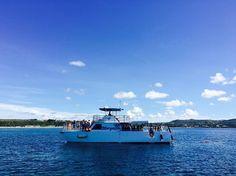 Instagram의 잇 전님: 막찍어도 예술인듯bb #여행 #괌 #여행스타그램 #바다 #배 #boat on the #sea en #hagatna #guam #view #awesome #blue #풍경