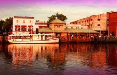 Wilmington, NC Riverwalk and Historic River District