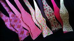 Nœud papillon patron et tutoriel gratuit - Bow tie free pattern and tutorial Plus Diy Couture, Couture Sewing, Clothing Patterns, Sewing Patterns, Creation Couture, Sewing Class, Sewing Accessories, Dressmaking, Diy Clothes