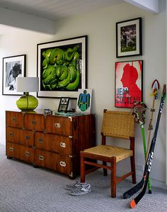 Cool details in a teen boy's room