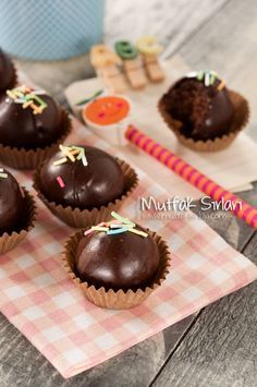 Çikolata Kaplı Mozaik Pasta Topları | Mutfak Sırları