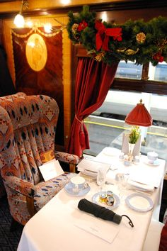 A Christmas Train Journey to Raymond Blanc's Le Manoir. - Lux Life London South West Trains, Belmond British Pullman, Country Lifestyle, Luxury Lifestyle, Lifestyle Blog, Carriage Doors, Moving To Australia, T Home, Christmas Train