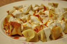 manti armenian manti manti temple manti te o manti yemek manti turkish Manti Teo, Manti Temple, Ravioli, Street Food, Pasta Salad, Holiday Recipes, Macaroni And Cheese, Food And Drink, Dishes