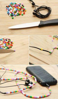 Kopfhörerkabel verschönern! Einfach bügelperlen mit einem messer spalten und auffädeln..