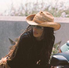 Lisa Bonet, My Black Is Beautiful, Classy And Fabulous, Beautiful People, Black Cowgirl, Biracial Hair, Zoe Kravitz, Woman Crush, Angelina Jolie