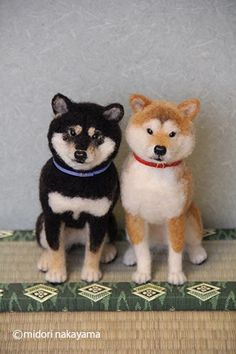 Shiba Inu by Midori Nakamora Needle Felted Animals, Felt Animals, Cute Animals, Akita, Felt Roses, Needle Felting Tutorials, Dog Ornaments, Felt Decorations, Wet Felting