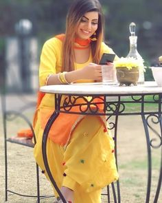 Patiala Salwar Suits, Salwar Suits Party Wear, Punjabi Suits, Yellow Suit, Green Suit, Wedding Hijab Styles, Punjabi Wedding Couple, Punjabi Fashion, India Fashion