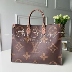 Material: Monogram Feature: Original Quality INCLUDES, DUST BAG 💵Cash app/ Venmo/ Zelle ONLY Payment!! Paypal and Amazon pay will be canceled!! 14-21 business days process before shipping Louis Vuitton Neverfull Damier, Louis Vuitton Speedy Bag, Vuitton Bag, My Bags, Purses And Bags, Leather Wallet, Leather Bag, Lv Shoes, Wallet Sale