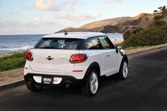 The road is your oyster with the MINI Paceman.