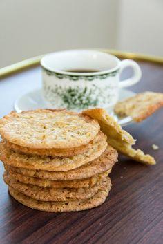 Havreflarn - beautiful Swedish cookies. I made these today. They are soooo awesome.