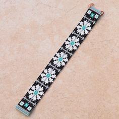 Black White Turquoise Floral Bead Loom Cuff por PuebloAndCo en Etsy