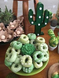 Cactus Baby Shower - Kindergeburtstag - Kita - I just loved this Cactus Baby Shower. Beautiful ideas and lots of inspira - 13th Birthday Parties, Baby Birthday, Birthday Party Themes, Theme Parties, Birthday Board, Mexican Birthday, Mexican Party, Kaktus Cupcakes, Succulent Cupcakes