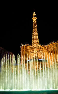 Went for a run in Vegas..saw this. Big deal for a little Alabama girl :) Fountain @ The Bellagio - Las Vegas