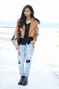 K MEETS STYLE- Greek based style blogger: FRINGED JACKET AND DISTRESSED JEANS