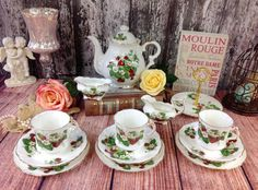 Charming--RARE-- Hammersley Strawberry Ripe Complete 13 Piece Tea Set Teapot Trio