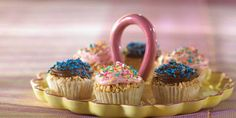 For your next party, turn these classic family-favorite cereal snacks into festive cupcakes.