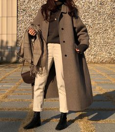 winter outfits korean Trendy dress winter outfit h - winteroutfits Aesthetic Fashion, Look Fashion, Aesthetic Clothes, Trendy Fashion, Winter Fashion, Korean Fashion Street Style, Korean Fashion Ulzzang, Korean Fashion Winter, Korean Girl Fashion