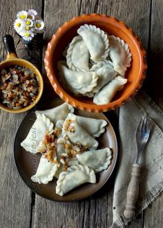 Gotowanie jest łatwe: Pierożki ze szpinakiem i serem