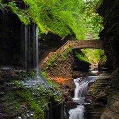 Waterfall Bridge, Watkins Glen, New York  photo via toomany