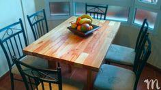 Mesa de comedor rústica, fabricada con listones de madera de palets reciclada y ecológica. Furniture Catalog, Wood Slats, Dining Room Tables, Store
