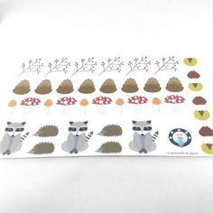 Planche de 38 stickers en papier motifs animaux et ressources de la forêt - Photo n°1