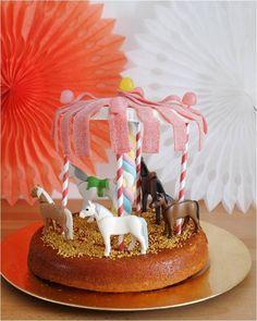 Le gâteau carrousel � manège à chevaux